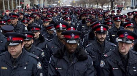 Officer Injured 20110118 TOPIX